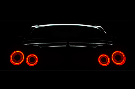 2015-Nissan-GT-R-JDM-rear-taillight-02